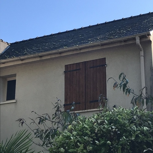 Photo avant le démoussage de la toiture à Orvault