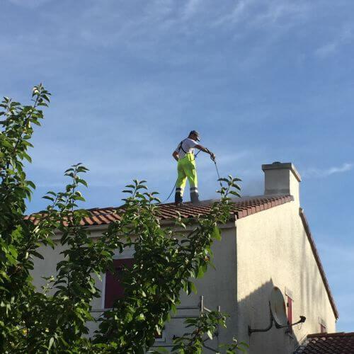 Nettoyage d'une toiture tuile à Vertou