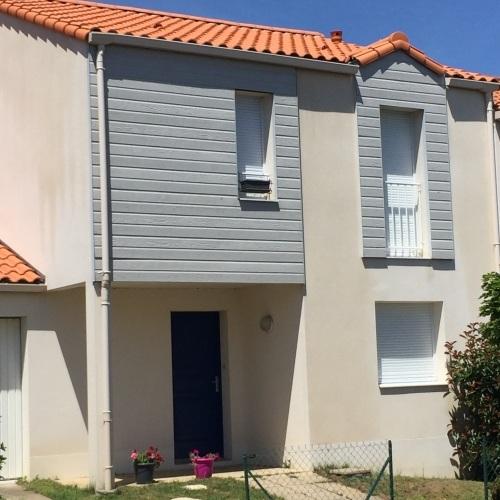 Photo après le nettoyage de toiture et façade à Vertou