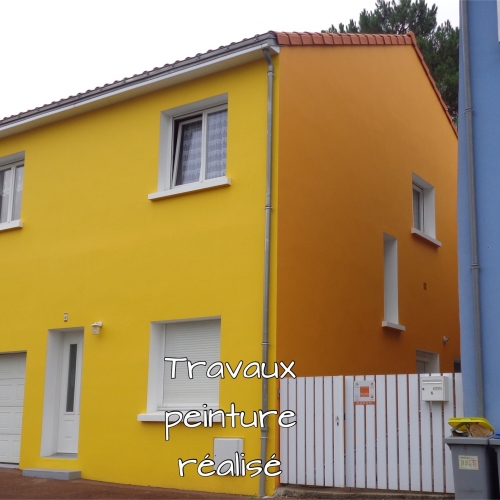 Photo peinture cette maison bi-couleur situé à Bouguenais